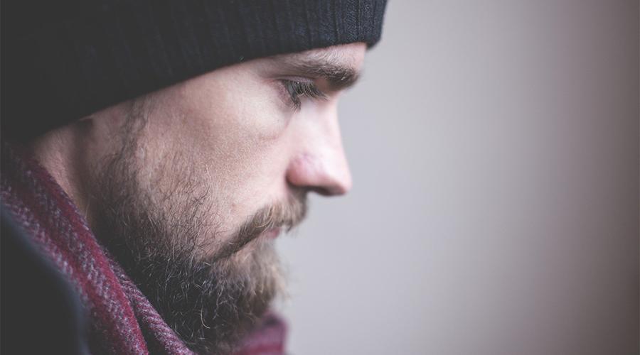 visage homme bonnet